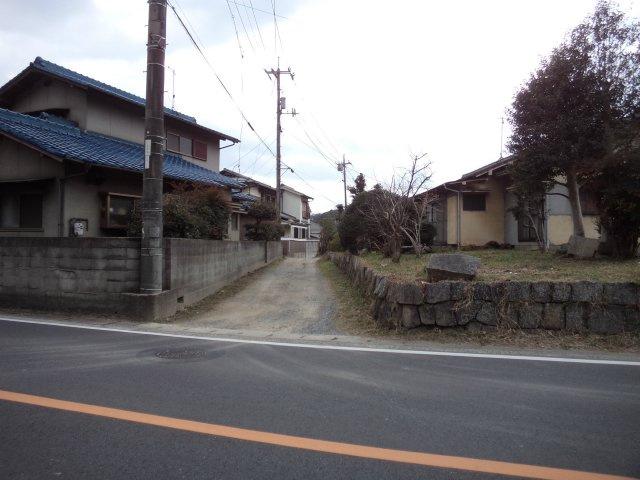 【前面道路含む現地写真】福田町浦田土地