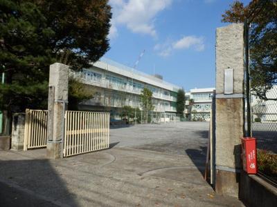町田市立町田第一小学校まで579m