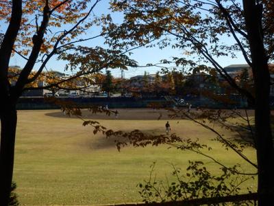 町田市民球場まで472m