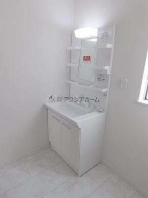便利なシャンプードレッサー付洗面化粧台