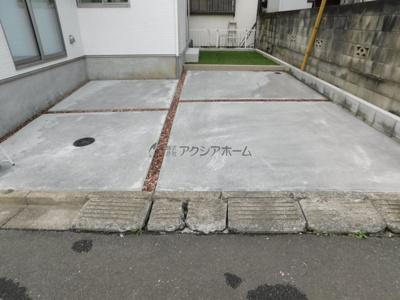 駐車並列2台可(車種制限あり)