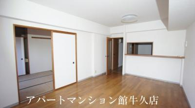 【居間・リビング】牛久ロイヤルレジデンスAⅡ型