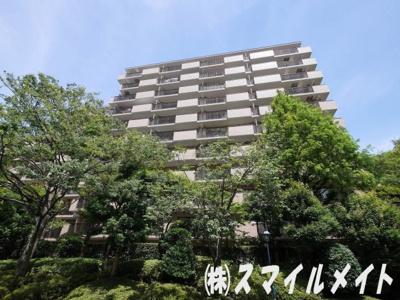 横浜本牧の大規模分譲マンション・敷地内に公園もあります
