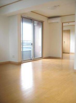 扉を開ければワンルームのように開放的空間に♪