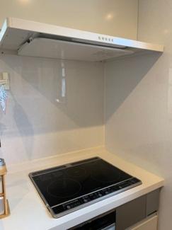 キッチンはIHで、オール電化の住宅となっており、大変綺麗にお使いです。