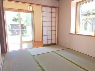 リビングから離れた和室は、プライベートを確保。急な来客がいらっしゃっても客間としても便利。
