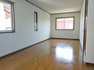 広々とした洋室です。兄弟の子供部屋や室内トレーニングルームにも使えるかも!
