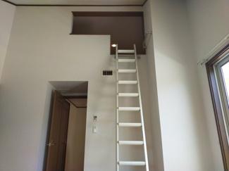 居室のロフトは、家族の思い出を大切に保管できる場所。