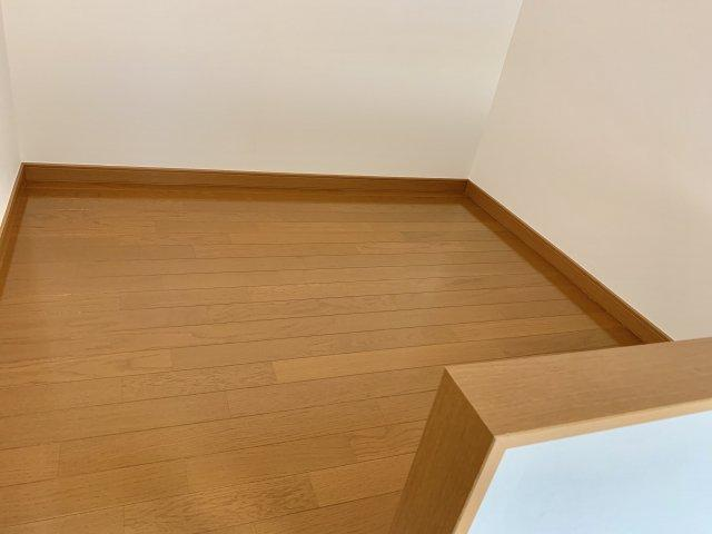 2階の洋室にはロフトがついています。