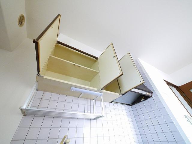 便利な吊戸棚です