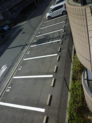 【駐車場】サル・ド・セジュール