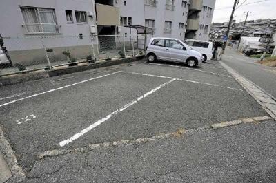 【駐車場】秀ハイツ