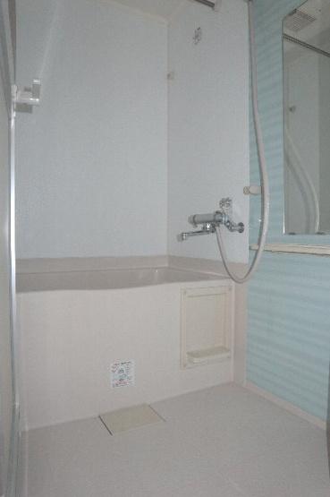キレイな浴室ですよ