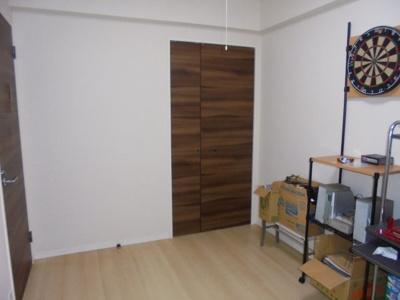 約6.2帖の洋室の収納