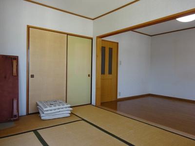 洋室とつながる和室6畳で広々使えます