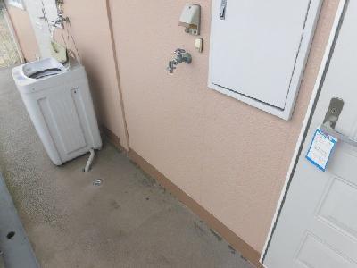 洗濯機は玄関前に設置可