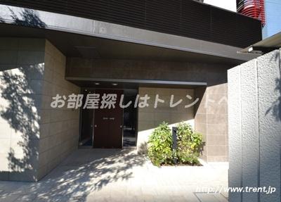 【外観】パークリュクス新宿御苑前モノ【mono】