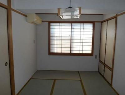 押し入れが2カ所ある和室です※別部屋参考写真