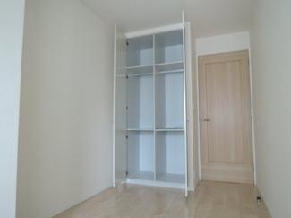屋根付き駐輪場です。雨の日も安心できます。