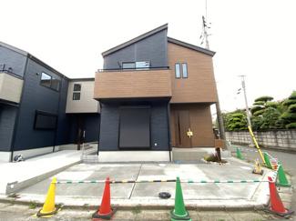 新京成線「高根公団」駅徒歩11分「高根木戸」駅徒歩12分の全2棟の新築一戸建てです。