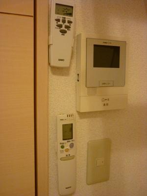 「TVモニター付インターフォン」