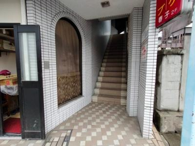 【エントランス】ピースフル吉田