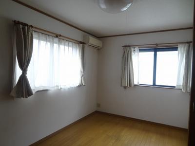 【寝室】三輪町戸建