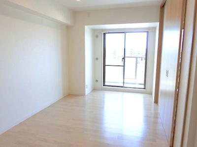 【現地写真】 収納を完備しておりますので、居室の全空間を有効活用出来ます♪