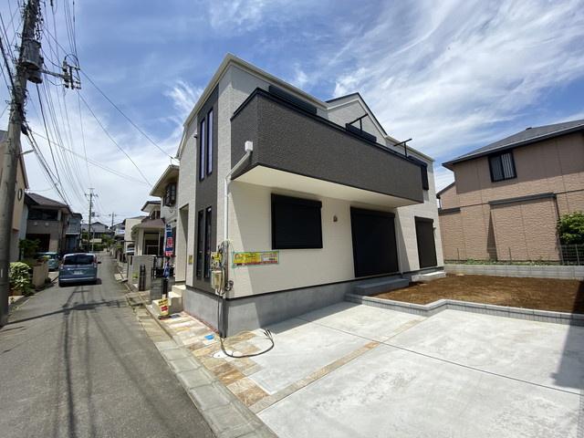 新京成線「高根木戸」駅徒歩9分の全1棟の新築一戸建てです。