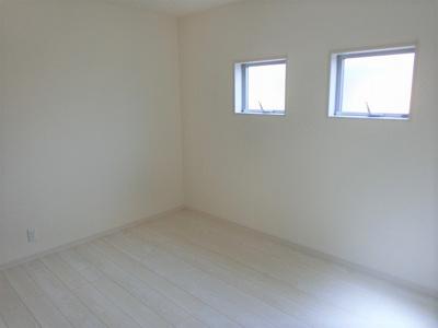 【同社施工写真】 独立性を高めたお部屋。たっぷりの収納も配備しており、片付いた空間を現実出来そう♪