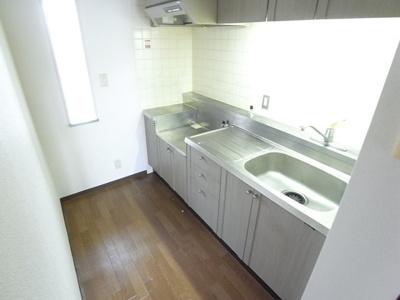 キッチンはガスコンロ設置可能