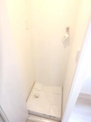 キッチン内に洗濯機置場スペース有り