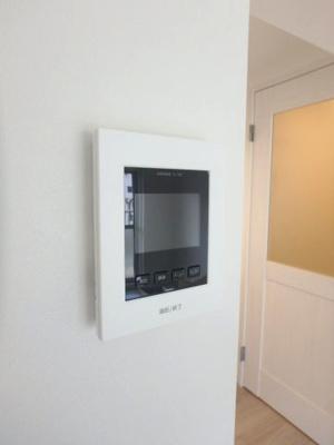 顔が見えて安心のTVモニター付インターホン