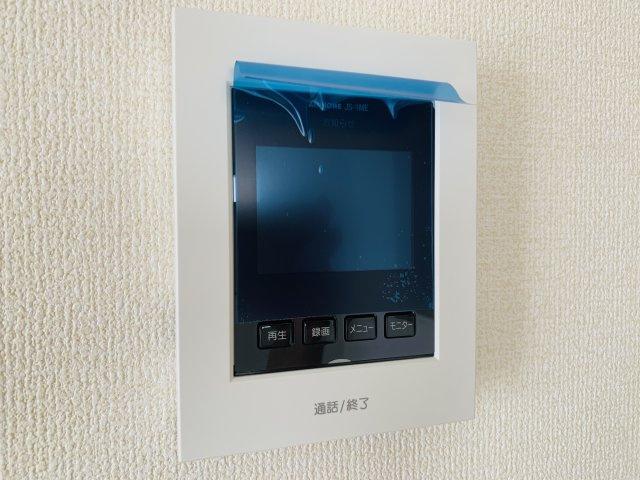 来客が来た時TVモニターで確認できます。防犯面も安心ですね。
