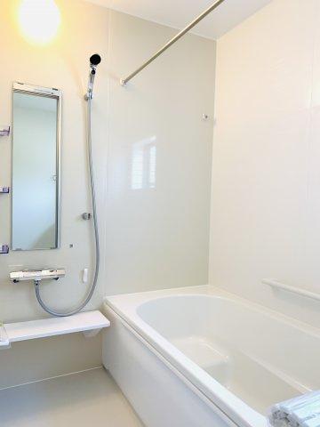 【同仕様施工例】1階トイレ シャワー付きです。