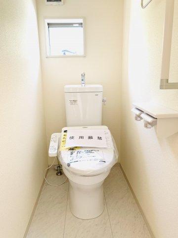 【同仕様施工例】2階8帖 WICが2ヶ所あるお部屋です。ご夫婦分けて使えますね。