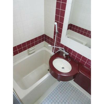 【浴室】ビラカスガ