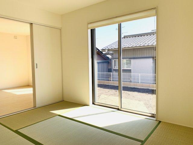 【同仕様施工例】6帖 玄関から直接出入りできるので客間としても活用できます。