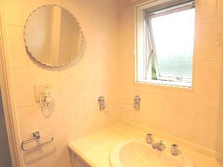 洗面室にある鏡
