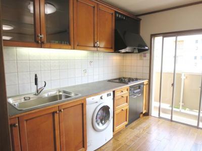 ワイドな調理スペース