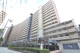 【エスリード宝塚】地上14階建 総戸数218戸 ご紹介のお部屋は9階部分です♪リフォーム済みの素敵な室内です(^^)