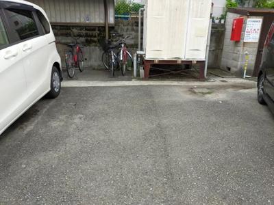 【駐車場】シャトーコスミ