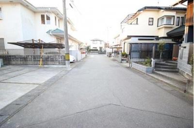 【前面道路含む現地写真】龍ヶ崎市松ヶ丘3丁目 中古戸建