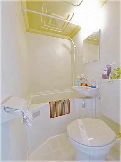 ユニットバスでお掃除らくらく☆浴室内に洗面台・トイレ付きです♪3点ユニットバスは水廻りのお掃除が一気にできちゃいます☆