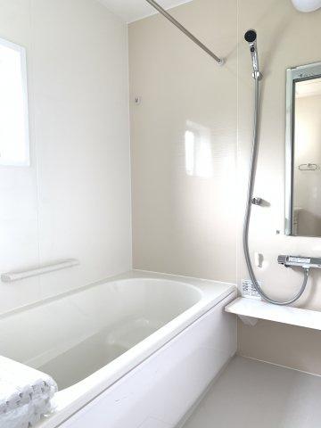 【同仕様施工例】浴室乾燥機付の一坪バスです。浴室乾燥機付の一坪バスです。