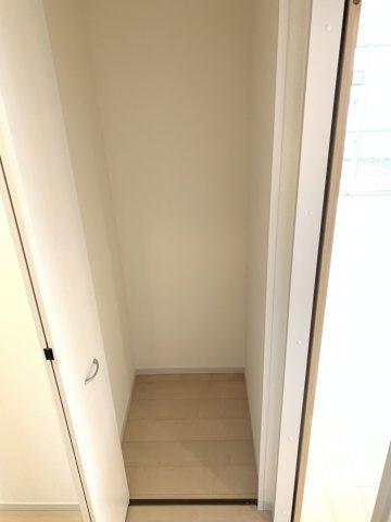 【同仕様施工例】8.5帖 南向きで採光・通風のよいお部屋です。