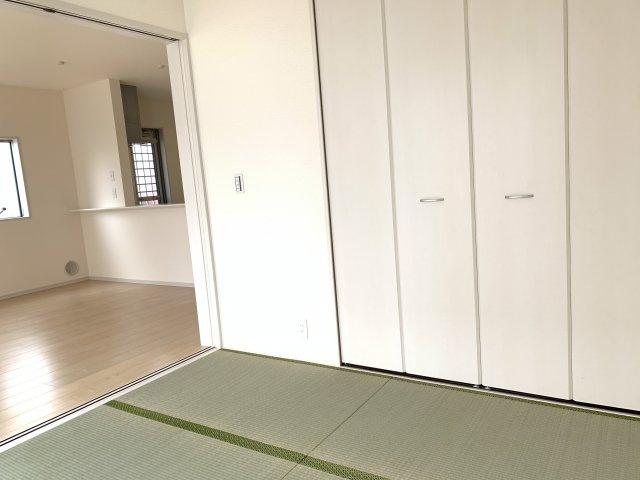 4.5畳 リビング隣接の和室なので広々使えます。