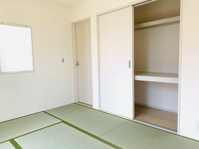 6畳 和室押入です。座布団やお布団、季節物の家電を収納できあると便利です。