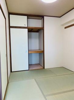 こじんまりながら落ち着いた和室です。