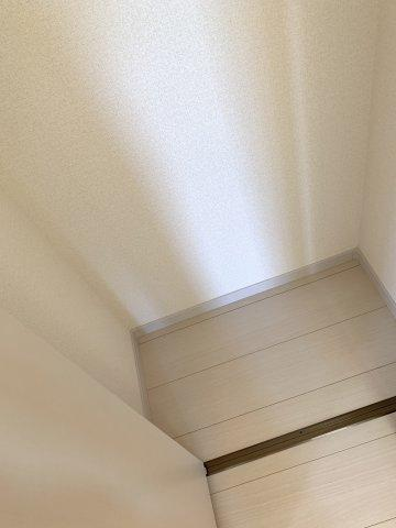 2階6帖 窓が2面あるので換気が十分できます。